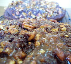 the delicious but difficult to cut praline layer